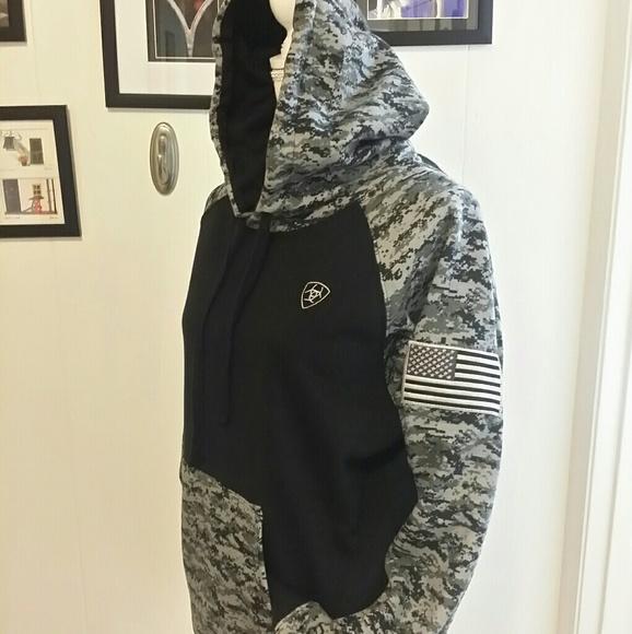 b8072c3acd7 Ariat black camo patriot hoodie NWT